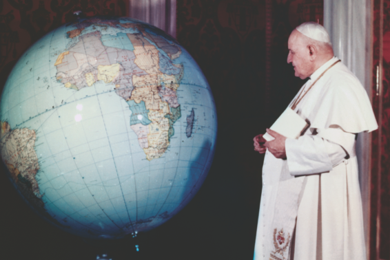 An Apostle of Peace: How Pope John XXIII invited the whole world to come to the manger. by Kathryn Elliott